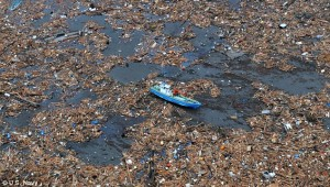 debris_japan_tsunami_2011_boat
